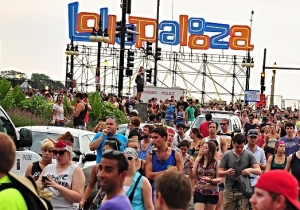 Several Lollapalooza Attendees Began Crowd Surfing In Trash Cans And People Are Losing It