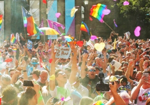 Australians Vote In Favor Of Legalizing Gay Marriage, Opening A Path For The Country To Make It A Law