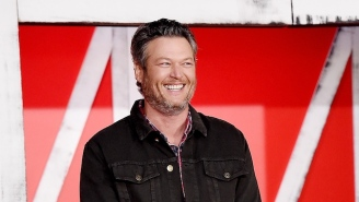 'Sexiest Man Alive' Blake Shelton Reads All The Mean Tweets Roasting His Surprising 'People' Cover