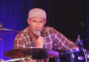 Chad Smith Does His Best Will Ferrell Freakout After A Heckler Calls Him Will Ferrell During A Show