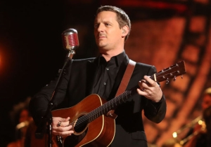 Sturgill Simpson's Outlaw Streak Extended To His Dream Tour — And Fans Love His Lineup