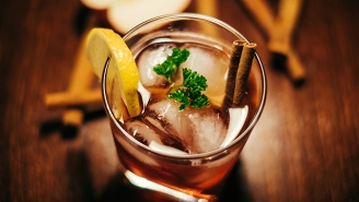 Five Apps For A Fun And Safe Holiday Drinking Season