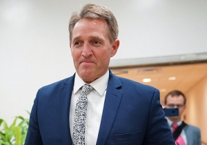 Outspoken Trump Critic Jeff Flake Was Caught On A Hot Mic Saying Republicans 'Are Toast'