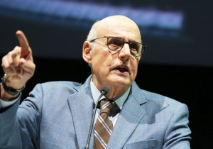 Jeffrey Tambor Will Appear On 'Arrested Development' Season 5 Following His 'Transparent' Ouster