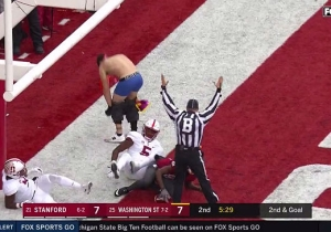 A Washington State Fan Jumped Onto The Field After A Touchdown And Stripped To His Underwear