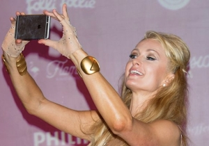 Paris Hilton Claims To Have Invented The Selfie, But The Internet Is Dubious