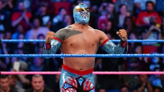 Sin Cara Suffered A Knee Injury In Spain, Because He Can't Have Nice Things