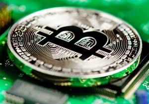Investors Pour Money Into Bitcoin As The Dow Drops, But Will The 'Tether' Break Anyway?