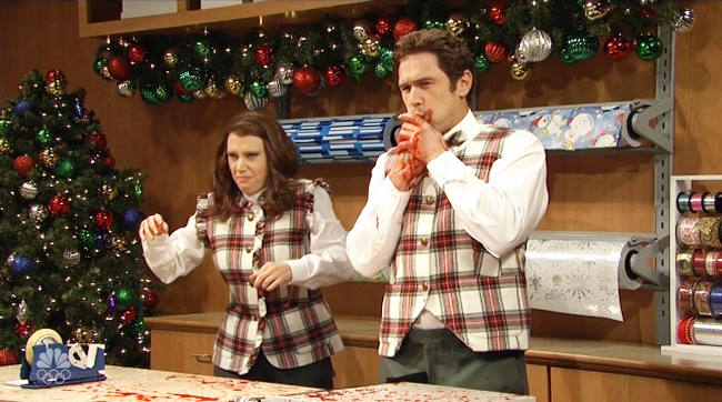 A Few Gift Wrapping Mishaps Turn This Pleasant 'SNL' Sketch Into A Bloodbath