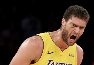 Brook Lopez Airballed Two Free Throws Against The Cavaliers