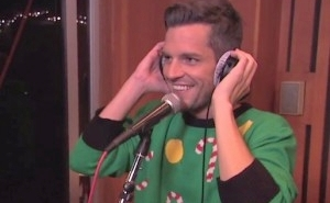Fans Think The Killers' 'Mr. Brightside' Sounds Just Like A Christmas Carol, And They're Not Wrong