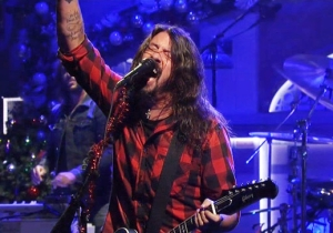 Foo Fighters Kicked Off Their 'SNL' Appearance With A Sweltering Performance Of 'The Sky Is A Neighborhood'