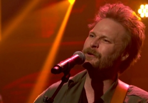 Hiss Golden Messenger Performs The Soulful 'Domino' With A Ten-Piece Band On 'Late Night'
