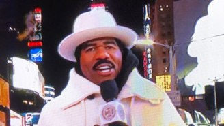 Steve Harvey's Bonkers Times Square Outfit Inspired People To Crack Some Wild Jokes