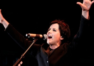Arcade Fire Paid Tribute To Dolores O'Riordan With A Cover Of 'Linger' At Their Dublin Show