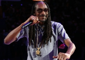 Snoop Dogg, The Roots, And Chaka Khan Will Join Forces For The 2018 Okeechobee Festival PoWoW
