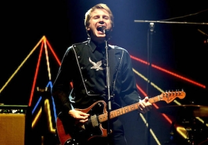 Franz Ferdinand's 'Lazy Boy' Is Vibrant, Hooky Songwriting At Its Best