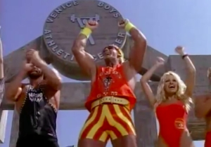 The Wrestling Episode: Hulk Hogan Battles Ric Flair On 'Baywatch'