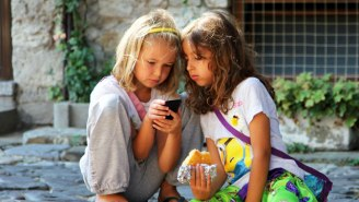 Apple Investors Are Urging CEO Tim Cook To Do Something To Curb Kids' Growing Smartphone Addiction