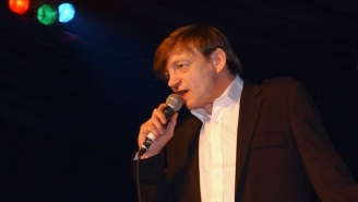 The Fall's Mark E. Smith Dies After Months Of Dealing With 'Bizarre And Rare Medical Issues'