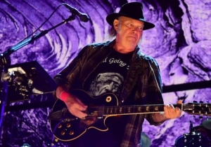 Neil Young Reunited With His Iconic Band Crazy Horse For The First Time In Years