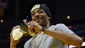 Snoop Dogg's Twitch Stream Playing The Wildly Entertaining 'SOS' Is Ridiculous