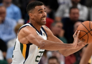 Jazz Forward Thabo Sefolosha Will Likely Get Season-Ending Knee Surgery