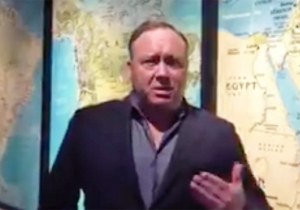 Alex Jones Challenges A Florida Shooting Survivor To A Debate After The Two Exchange Blows On Twitter