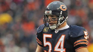 Randy Moss And Brian Urlacher Headline The NFL's Absolutely Stacked 2018 Hall Of Fame Class