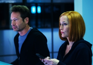 'The X-Files' Tries Something Delightfully New With 'Rm9sbG93ZXJz'