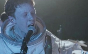 Watch King Krule's Dreamy Lunar-Themed Concert Film, 'Live On The Moon'