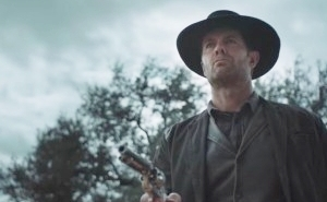 Garret Dillahunt Goes Full 'Deadwood' In The New 'Fear The Walking Dead' Trailer