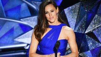 Jennifer Garner Pokes Fun At Herself Responding To That Viral Oscars Meme