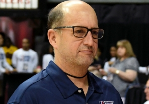 The Spurs Blasted 'Enter Sandman' Against The Warriors, Much To The Delight Of Jeff Van Gundy