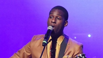A New Leon Bridges Song, 'You Don't Know,' Debuts In An Ad For The New Sonos One Smart Speaker