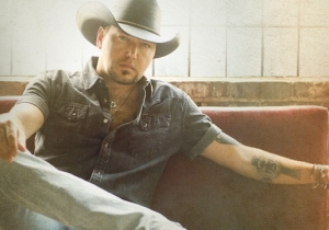 Country Grammar: Jason Aldean's 'Rearview Town' Doesn't Back Down An Inch