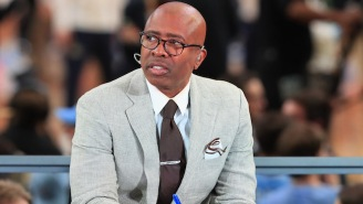 The Knicks Will Reportedly Interview TNT Analyst Kenny Smith For Their Coaching Vacancy