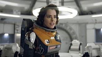 Netflix Debuts A Chilling First Look At Parker Posey's Dr. Smith In 'Lost In Space'