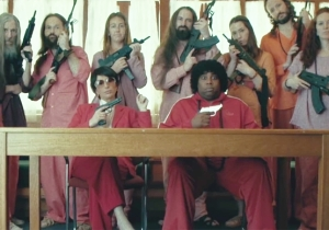 'SNL' Welcomes Back Nasim Pedrad For Its Own Take On Netflix's 'Wild Wild Country'