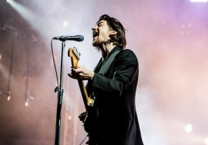 Arctic Monkeys' Live Show Explains Why They're This Year's Preeminent Rock Band