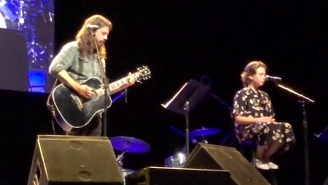 Dave Grohl Backed Up His Daughter On An Acoustic Adele Cover — And She Can Really Sing