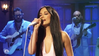 Watch Kacey Musgraves' Effortless, Disco-Ready Rendition Of 'High Horse' On 'SNL'