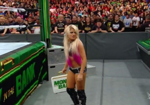 Alexa Bliss Cashed In Her Money In The Bank Briefcase On The Raw Women's Championship Match