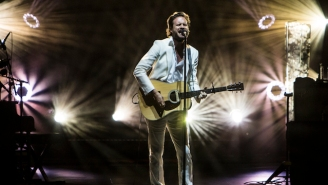After His Quietest Album Rollout Yet, Father John Misty Speaks Volumes As A Performer