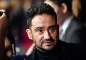 'Jurassic World: Fallen Kingdom' Director J.A. Bayona Believes The Jurassic Story Is Still Relevant In Today's World