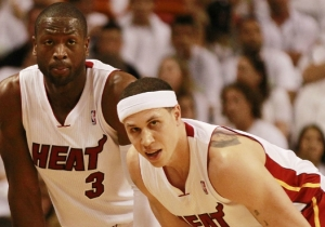 Dwyane Wade Jokes He's Terrified Of Mike Bibby Now That He's Jacked