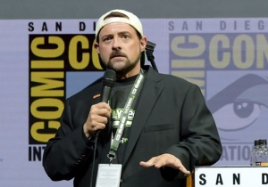 Kevin Smith Reveals His 'Jay And Silent Bob' Reboot Will Feature The Cast Of 'The Flash'