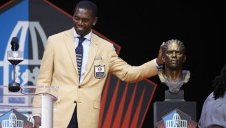 Randy Moss Gave Bill Belichick A Shout Out During His Hall Of Fame Induction Speech
