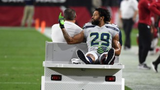 Earl Thomas Flipped Off The Seahawks Bench While Carted Off With A Fractured Leg