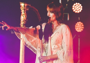 Florence And The Machine Bring Their Towering, Beatific Ballads To The Hollywood Bowl